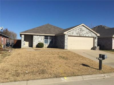 Tarrant County Single Family Home For Sale: 7413 Snow Ridge Drive