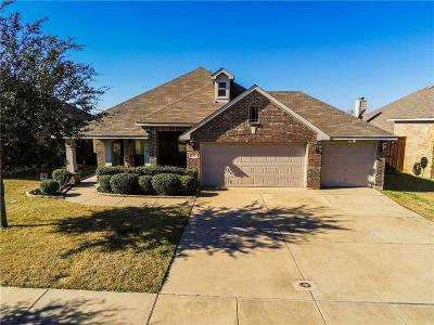 Mansfield Single Family Home For Sale: 1316 Fox Glen Trail