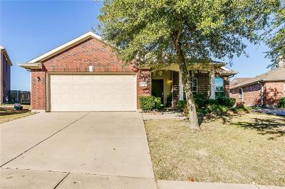 North Richland Hills Single Family Home For Sale: 6717 Dream Dust Drive