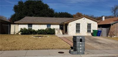 Denton County Single Family Home For Sale: 2305 Benbrook Drive