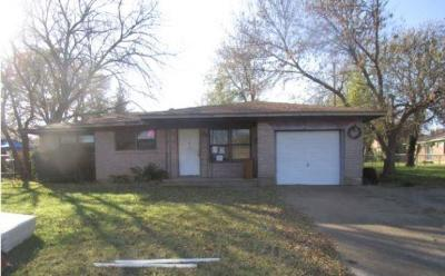 Sherman Single Family Home For Sale: 1006 Blanton Drive