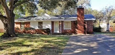 Irving Single Family Home For Sale: 809 Belltower Drive