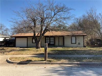 Benbrook Single Family Home For Sale: 125 San Saba Avenue