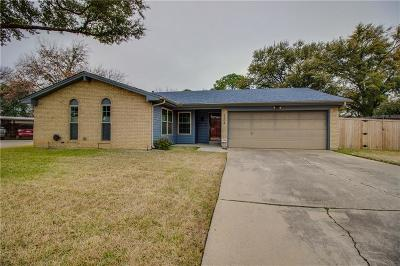 Bedford, Euless, Hurst Single Family Home For Sale: 2304 Warwick Court