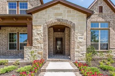 Denton County Single Family Home For Sale: 1744 Tumblegrass