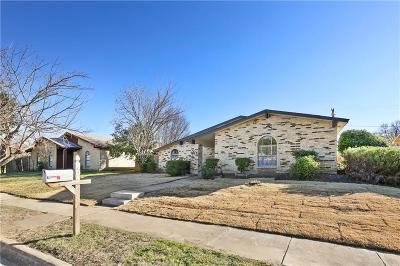 Grand Prairie Single Family Home For Sale: 705 Timberdale Street