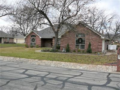 Granbury Single Family Home For Sale: 9016 Hickory Hill Drive