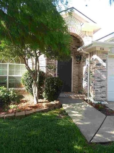 Grand Prairie Single Family Home Active Option Contract: 1124 Secretariat Drive