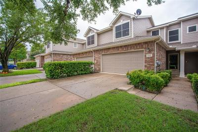 Plano Townhouse For Sale: 9913 Castlewood Drive
