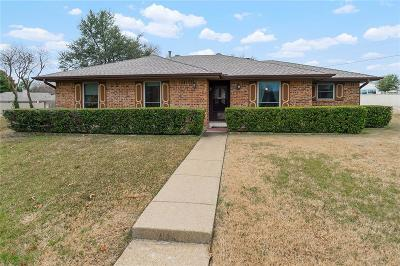 Richardson Single Family Home For Sale: 1402 Woodcreek Drive