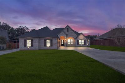 Granbury Single Family Home For Sale: 5613 Cuero Drive