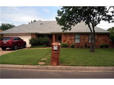 North Richland Hills Residential Lease For Lease: 5728 Caracas Drive