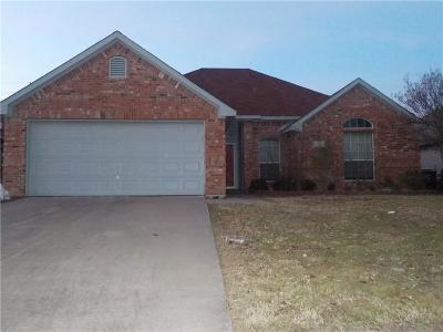 Waxahachie Single Family Home For Sale: 637 Brenna Road