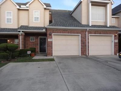 Irving Townhouse For Sale: 2463 Southcourt Circle