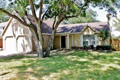 Euless Residential Lease For Lease: 503 Thorn Wood Drive
