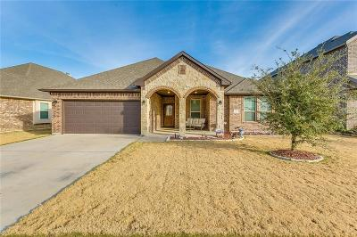 Burleson Single Family Home For Sale: 1667 Fraser Drive