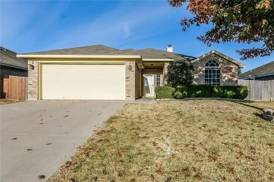 Burleson Single Family Home For Sale: 1024 Thistle Meade Circle