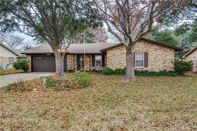 Benbrook Single Family Home For Sale: 1131 Bryant Street