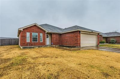 Burleson Single Family Home For Sale: 921 McKavett Drive