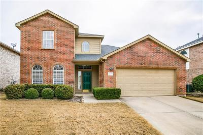 Fort Worth Single Family Home For Sale: 8450 Fern Lake Court