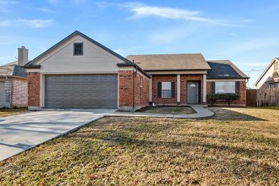 Rowlett Single Family Home For Sale: 7518 Lauren Lane