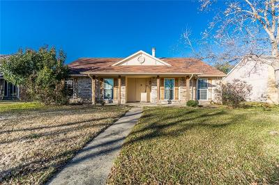 Rowlett Single Family Home For Sale: 8401 Chesham Drive