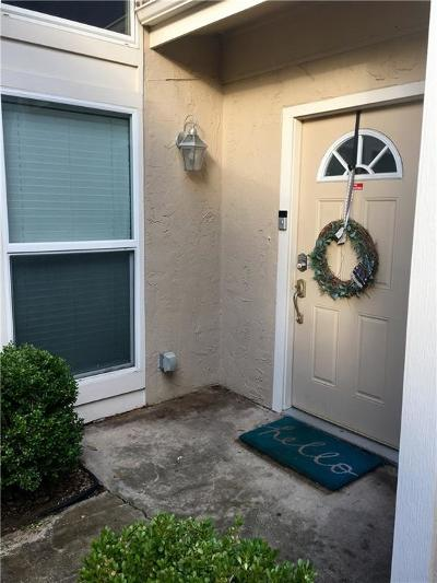 Lake Dallas Townhouse For Sale: 711 Cain Street