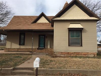 Baylor County Single Family Home For Sale: 311 N Foley Street