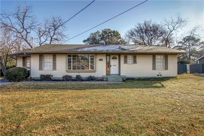 Arlington Single Family Home For Sale: 1305 S Davis Drive