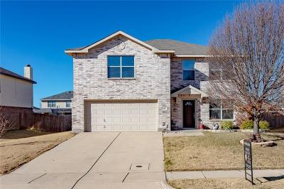 Denton County Single Family Home For Sale: 315 Saddlebrook Drive