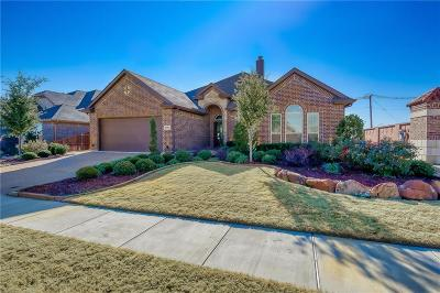 Fort Worth Single Family Home For Sale: 2000 Fossil Mesa Way