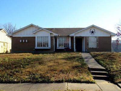 Garland Single Family Home For Sale: 2126 Highwood Drive