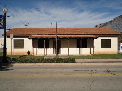 Comanche County, Eastland County, Erath County, Hamilton County, Mills County, Brown County Commercial Lease For Lease: 215 Center