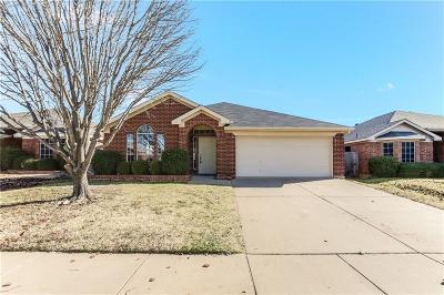 Fort Worth Single Family Home For Sale: 7353 Rock Garden Trail