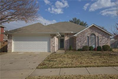 North Richland Hills Single Family Home For Sale: 5312 Texas Drive