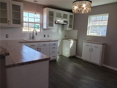 Azle Single Family Home For Sale: 253 Spring Valley Circle