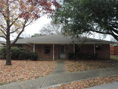 Midlothian Single Family Home For Sale: 1606 Meadow Court