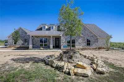 Tarrant County Single Family Home For Sale: 4913 Bucking Bronc Drive