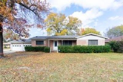 Van Single Family Home For Sale: 570 W Kansas Street