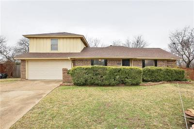 Tarrant County Single Family Home For Sale: 508 Daniels Drive