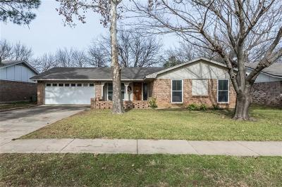 Keller Single Family Home For Sale: 429 E Taylor Street
