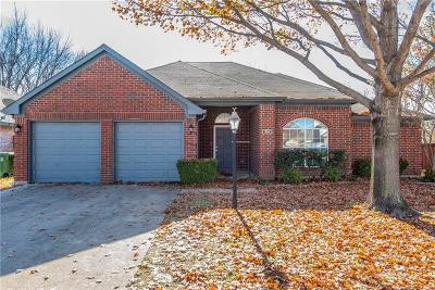 Bedford, Euless, Hurst Single Family Home For Sale: 304 Parkview Drive