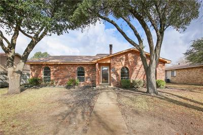 Grand Prairie Single Family Home For Sale: 1810 Sandra Lane