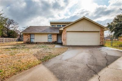 Azle Single Family Home For Sale: 725 Blue Meadow Drive