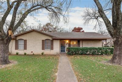 Waxahachie Single Family Home For Sale: 100 Alamo Street