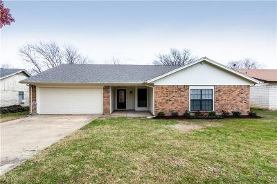 Fort Worth Single Family Home For Sale: 7009 Misty Meadow Drive S