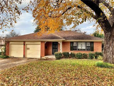 Dallas Single Family Home For Sale: 2345 Dorrington Drive