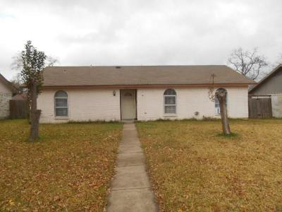 Garland Single Family Home For Sale: 1009 Pleasant Valley Road