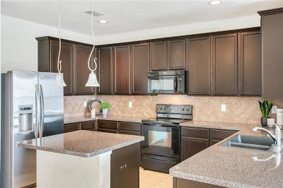Tarrant County Single Family Home For Sale: 5317 Threshing Drive