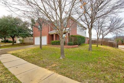 Denton Single Family Home For Sale: 3900 Vinyard Way
